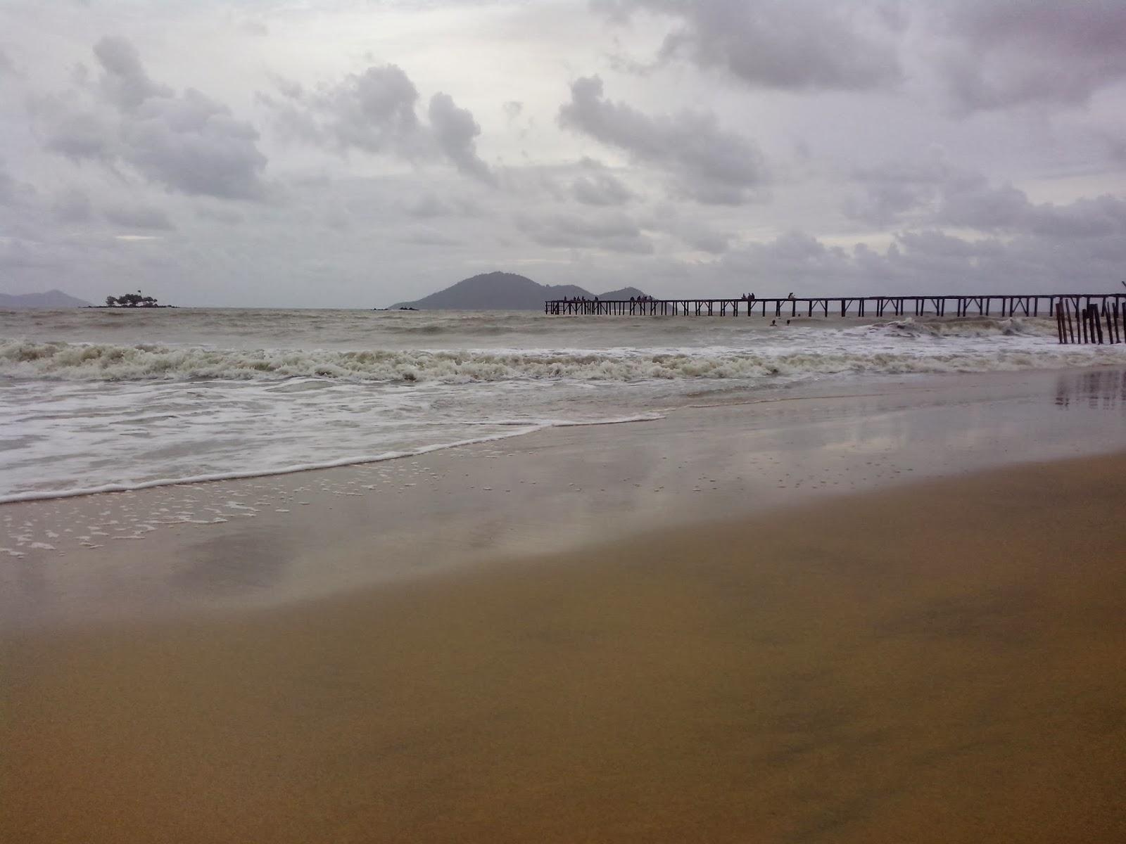 Wisata Pantai Mimi Land Singkawang