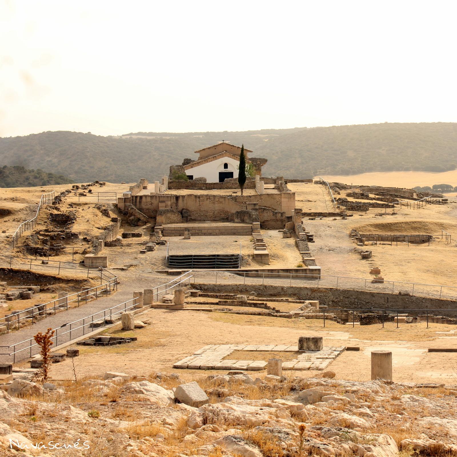 Templo, termas y foro