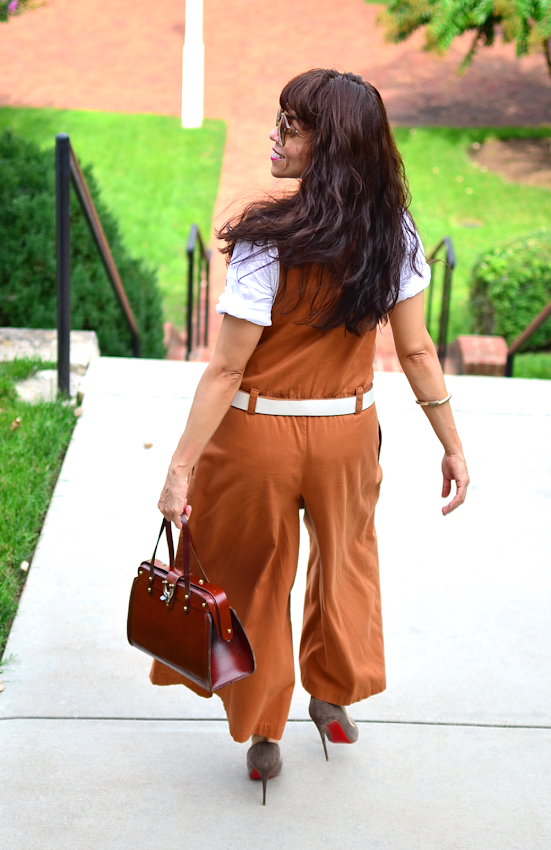 Outfit with earth tones