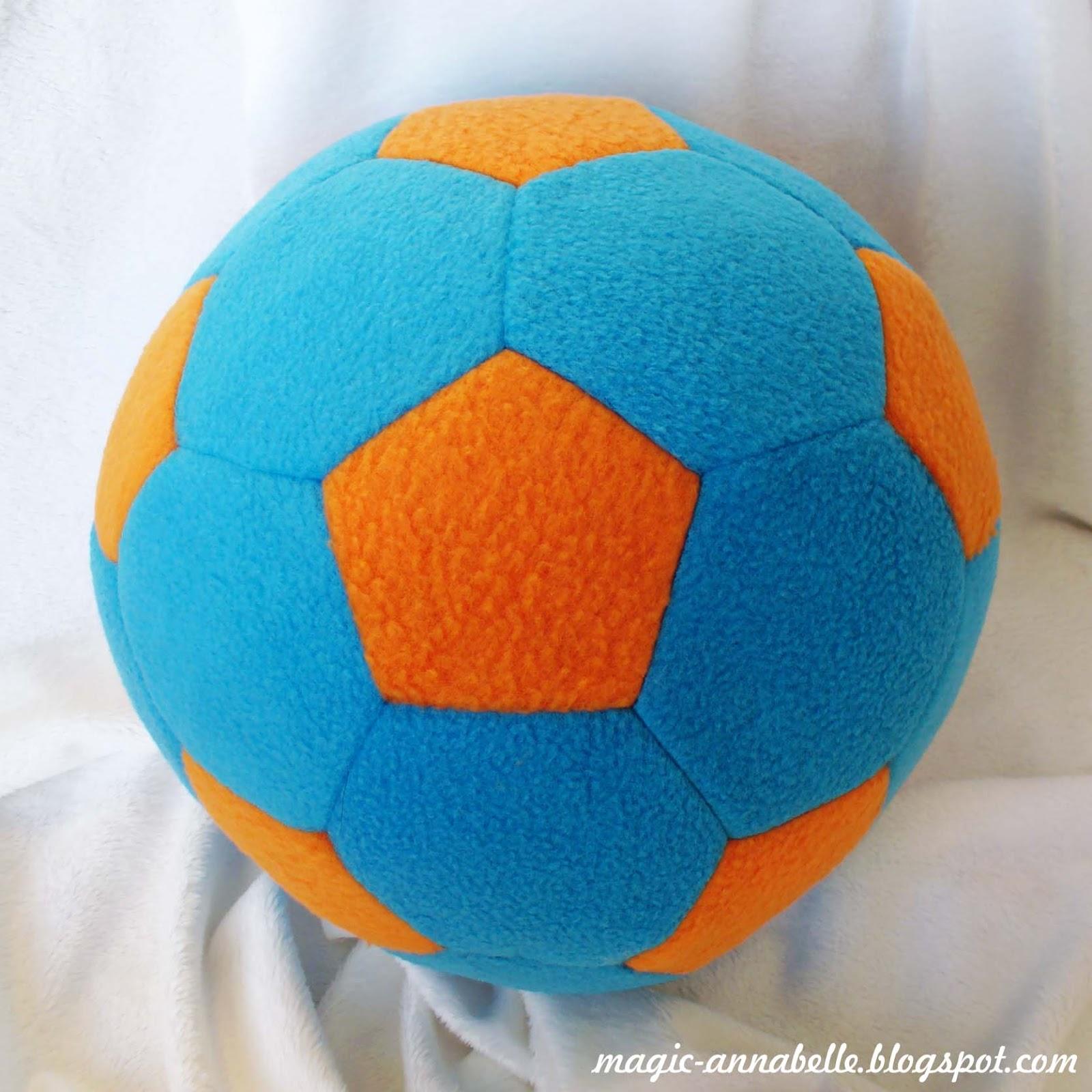 Мяч своими руками подушка 10