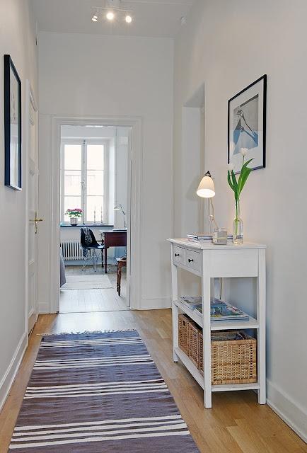 Hogar diez c mo decorar pasillos estrechos for Decoracion de pasillos largos
