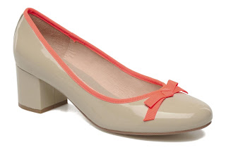 Block heel nude shoes
