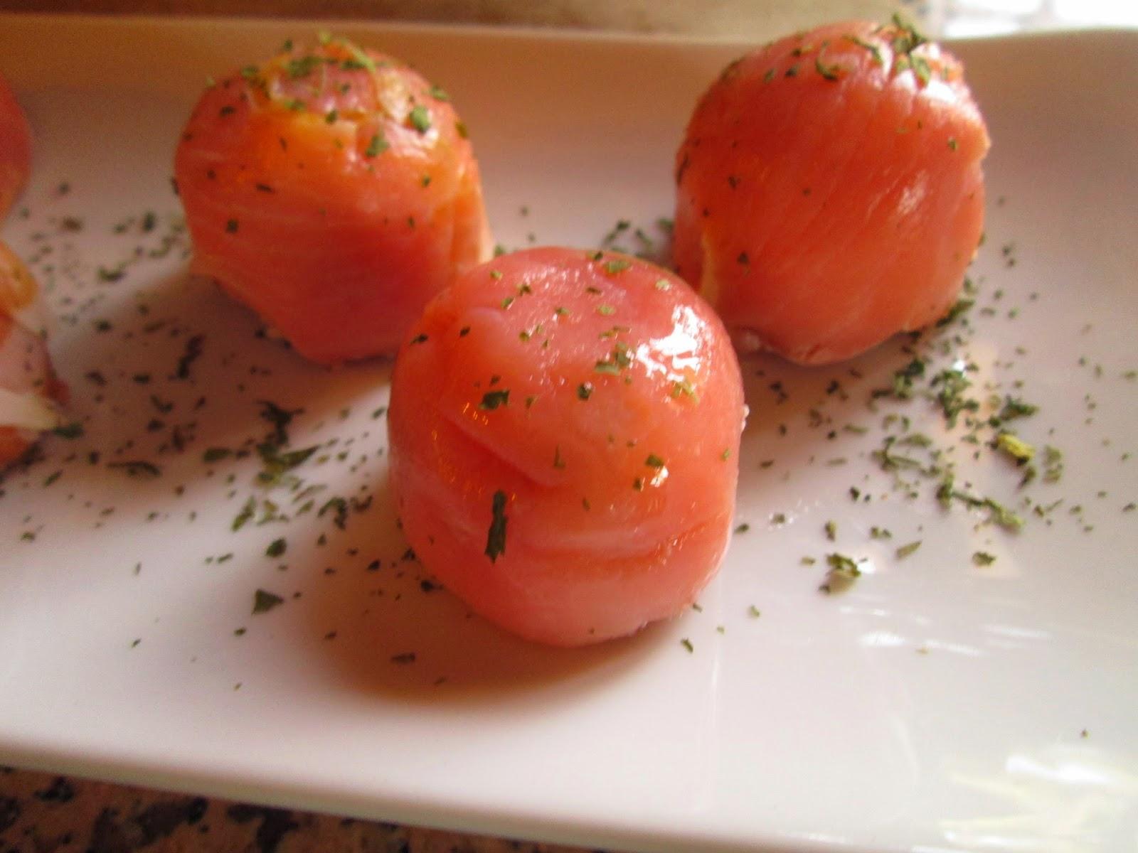 La cuisine de paqui aperitivos bombones de salm n jam n - Aperitivos de salmon ahumado ...