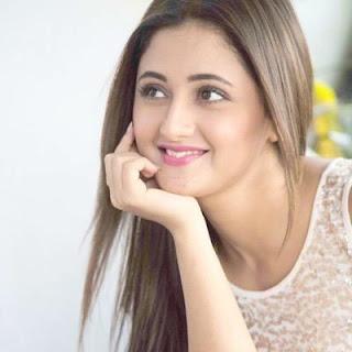 BIODATA Pemeran Tapasya (Rashami Desai) di Serial UTTARAN ANTV
