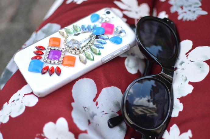 skinny-dip-phone-case