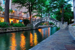 San Antonio River Walk (Best Honeymoon Destinations In USA) 6