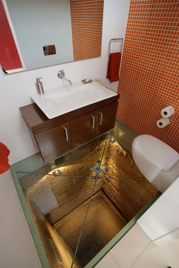Rung sợ với phòng tắm ở vị trí thang máy trên đỉnh 15 tầng