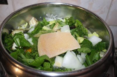 croste-di-formaggio-minestrone