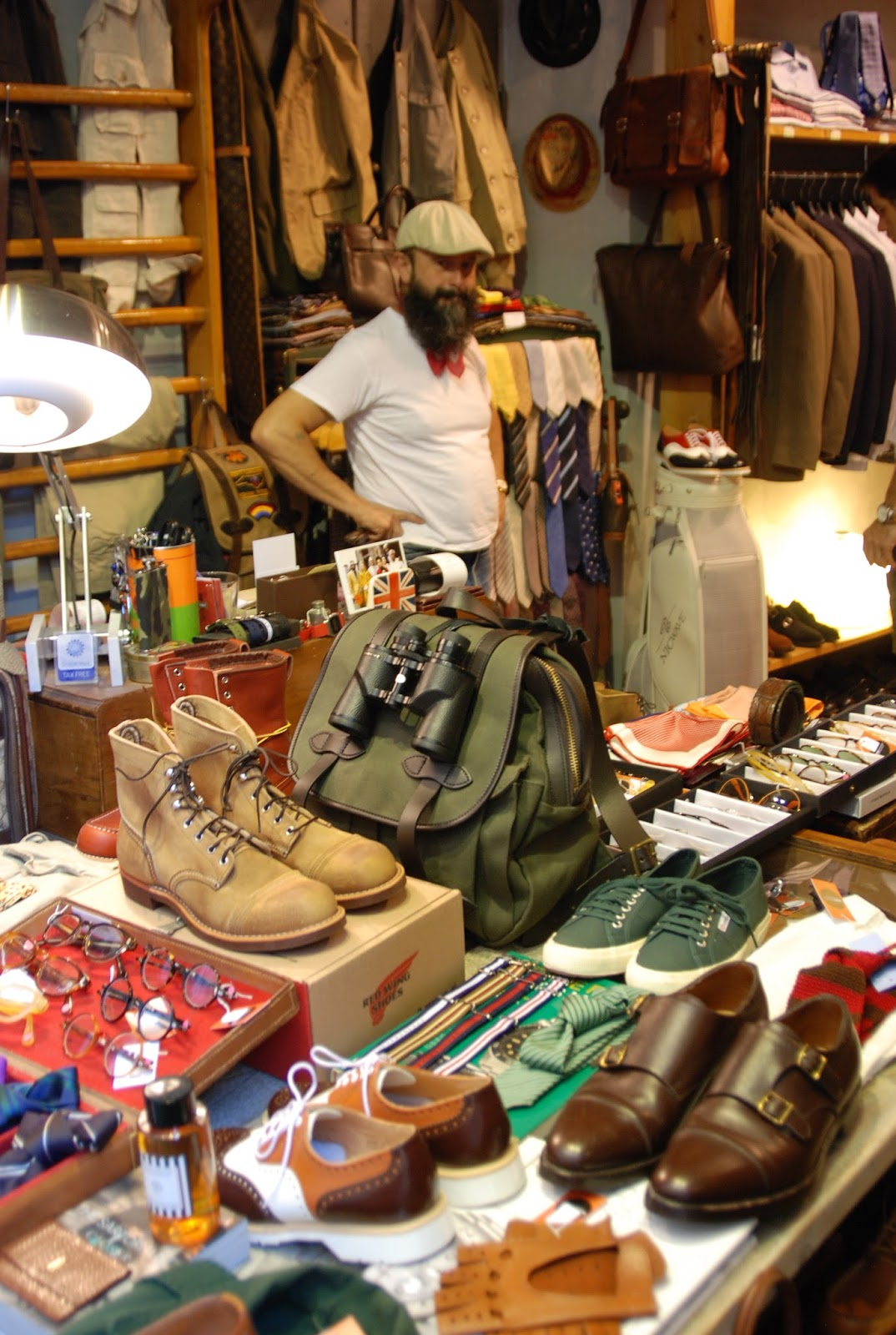 Chad 39 s drygoods store locator desii vintage firenze for Dream store firenze