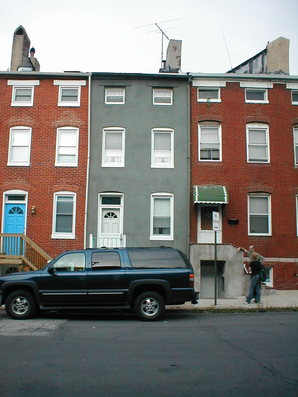 Anatomy of the baltimore rowhouse community architect for Narrow row house plans