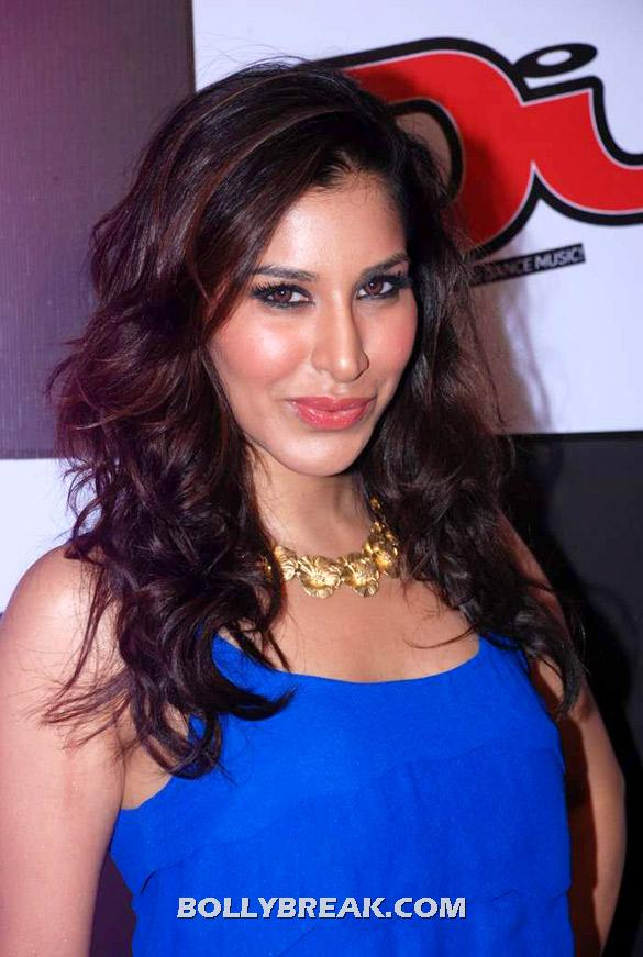 Sophie Choudry close up - Sophie Choudry latest photos