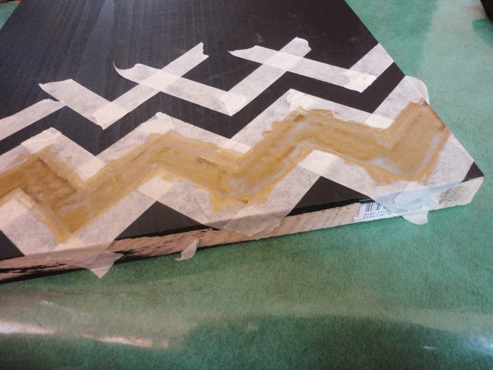 how to make vertical lines on wood with tape