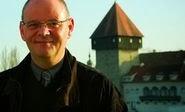 Helga König und Peter J. König im Gespräch mit Dr. Jürgen Dietrich