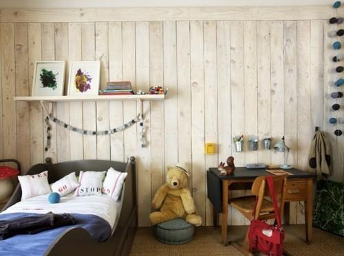 Habitación con las paredes de madera