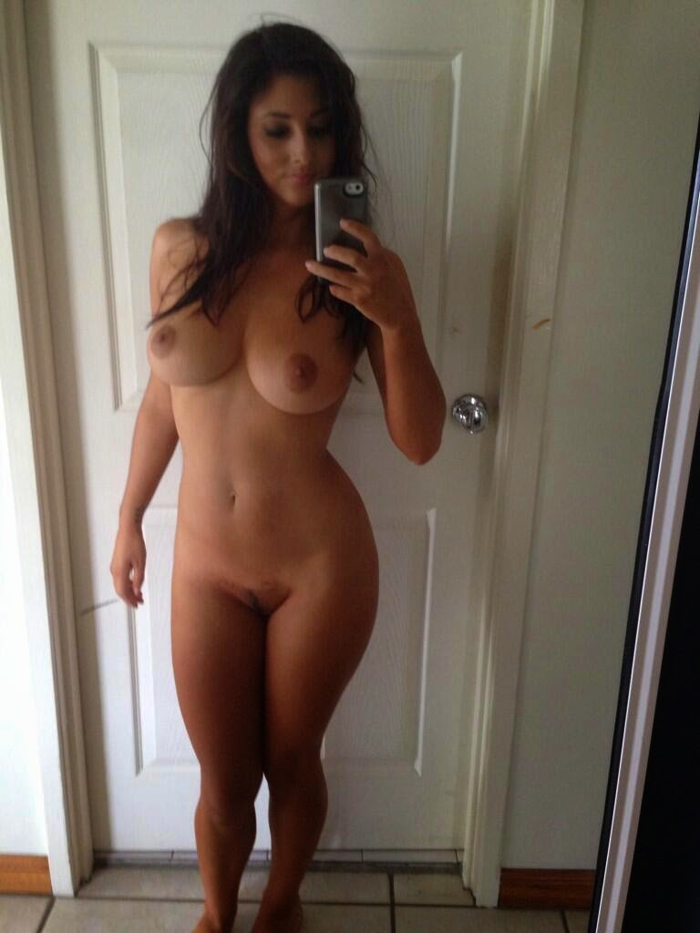 naked latina girl selfies