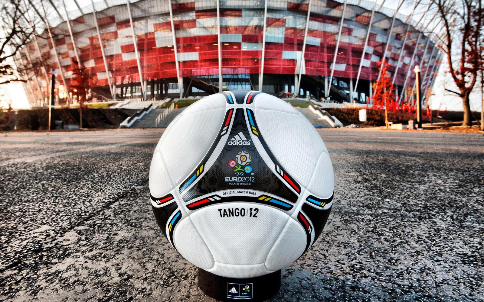 http://3.bp.blogspot.com/-leUVoe-cuUU/T8oPXYSxVsI/AAAAAAAAANw/yZ1UzaB9hNw/s1600/Euro_2012_Cup_Adidas_Tango_Ball_Warsaw_Stadium_HD_Wallpaper-Vvallpaper.Net.jpg