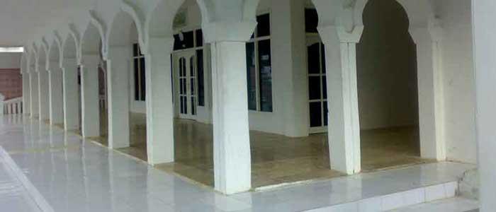 Hukum Lantai Masjid Terbuat Dari Bahan Najis