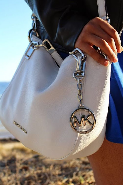 Amazing about this fashion bag