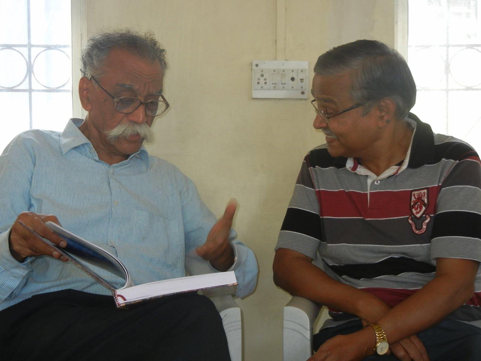 माझे आवडते लेखक प्रा.भालचंद्र नेमाडे यांच्यासोबत..