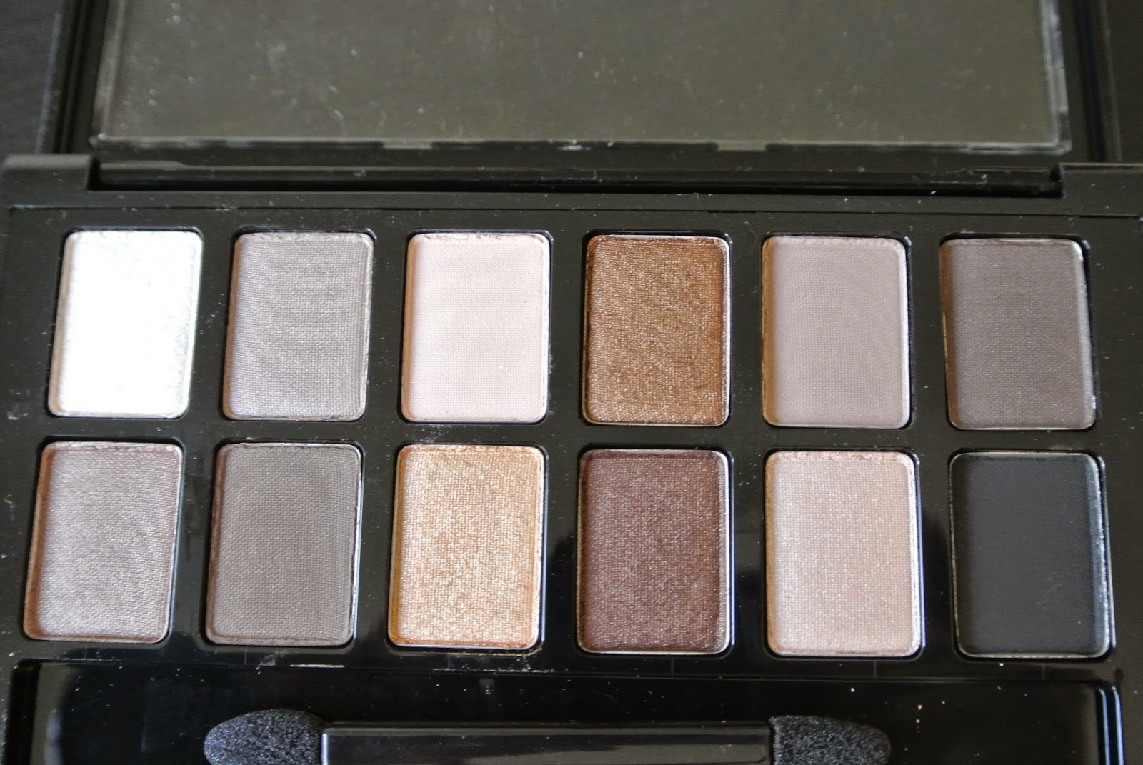 Close up of shades in Maybelline The Nudes Palette