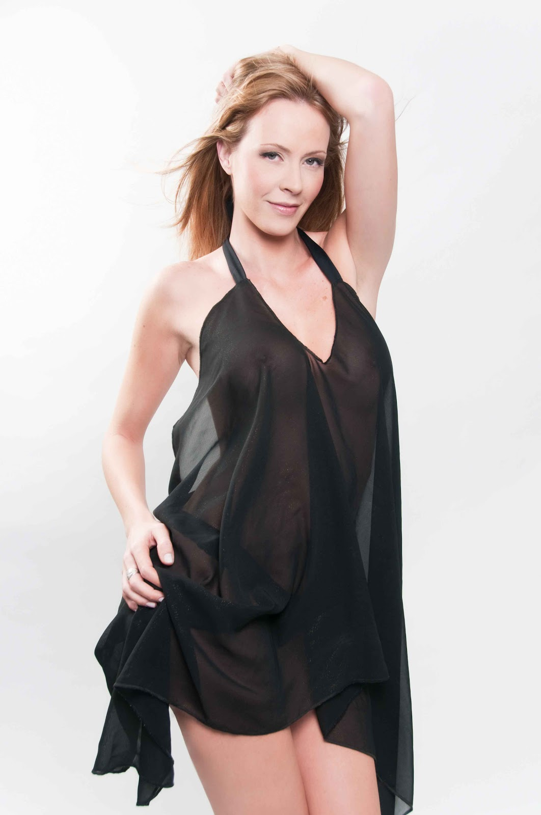 Flavia Gleske Nude Photos 25