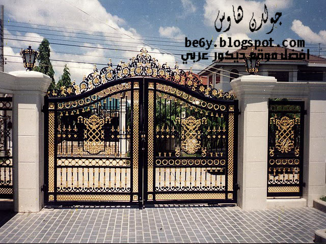 Exterior Iron Gate Design