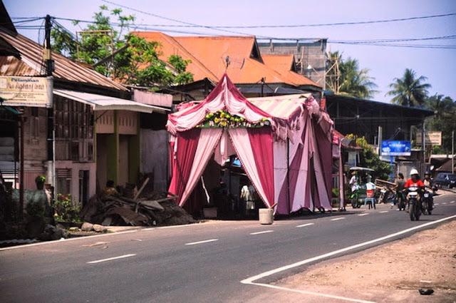 Hukum Menggunakan Jalan Umum untuk Pesta Pernikahan