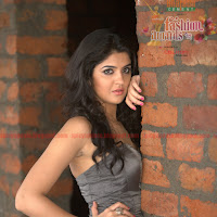Gorgeous Deeksha Seth Latest Spicy  Southspin Fashion Awards 2012