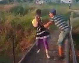 Tirando Gente al Rio