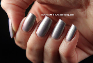 Rimmel Metal Rush Pearly Queen Nail Polish