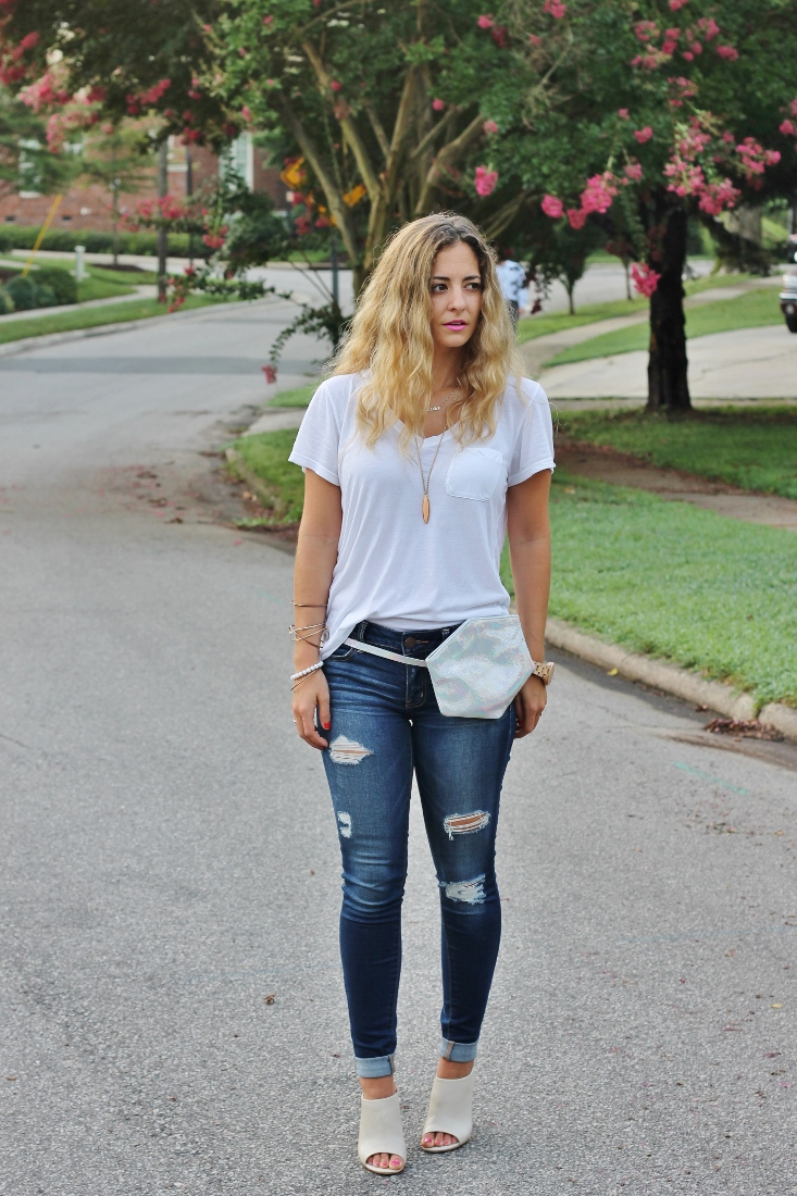 destroyed skinny jeans outfit idea