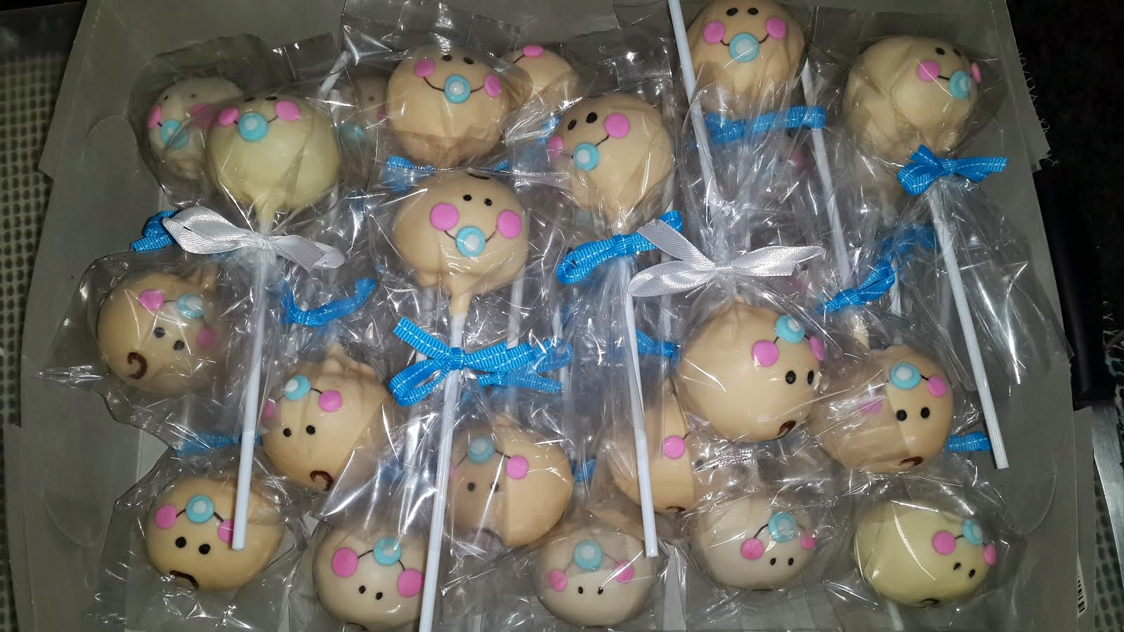 It's a boy cake Pops