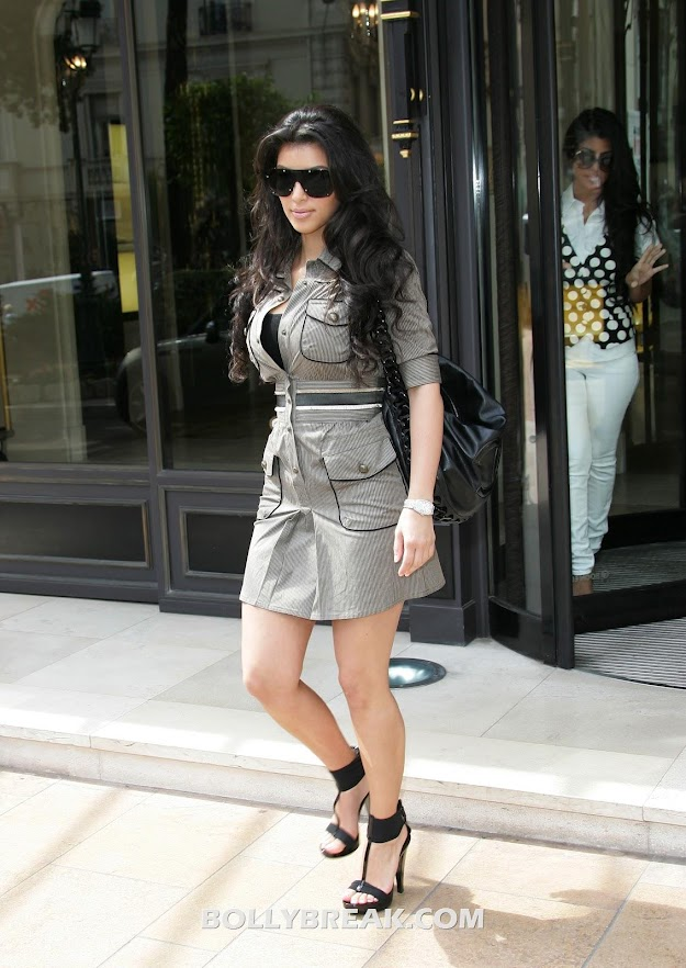 Kim Kardashian in monte carlo - Kim Kardashian on the streets of Monte Carlo