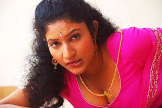 Kalla Parunthu Tamil Movie 2011  Stills 61.jpg