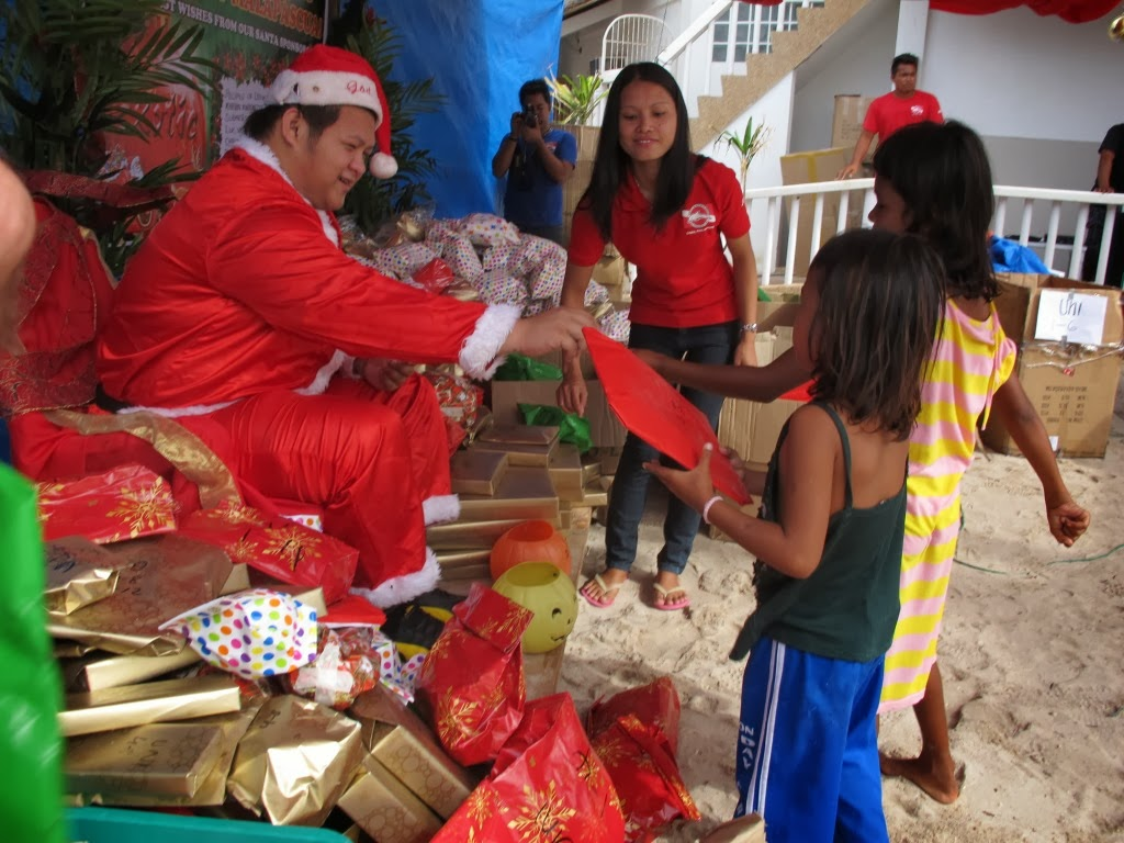 Santa on at Malapascua exotic island dive resort