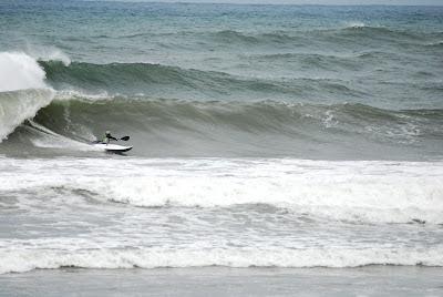 kayak surf que es descripción definición surfear olas mar