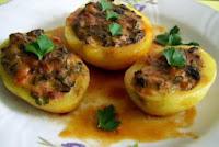 Cartofi umpluți cu ciuperci