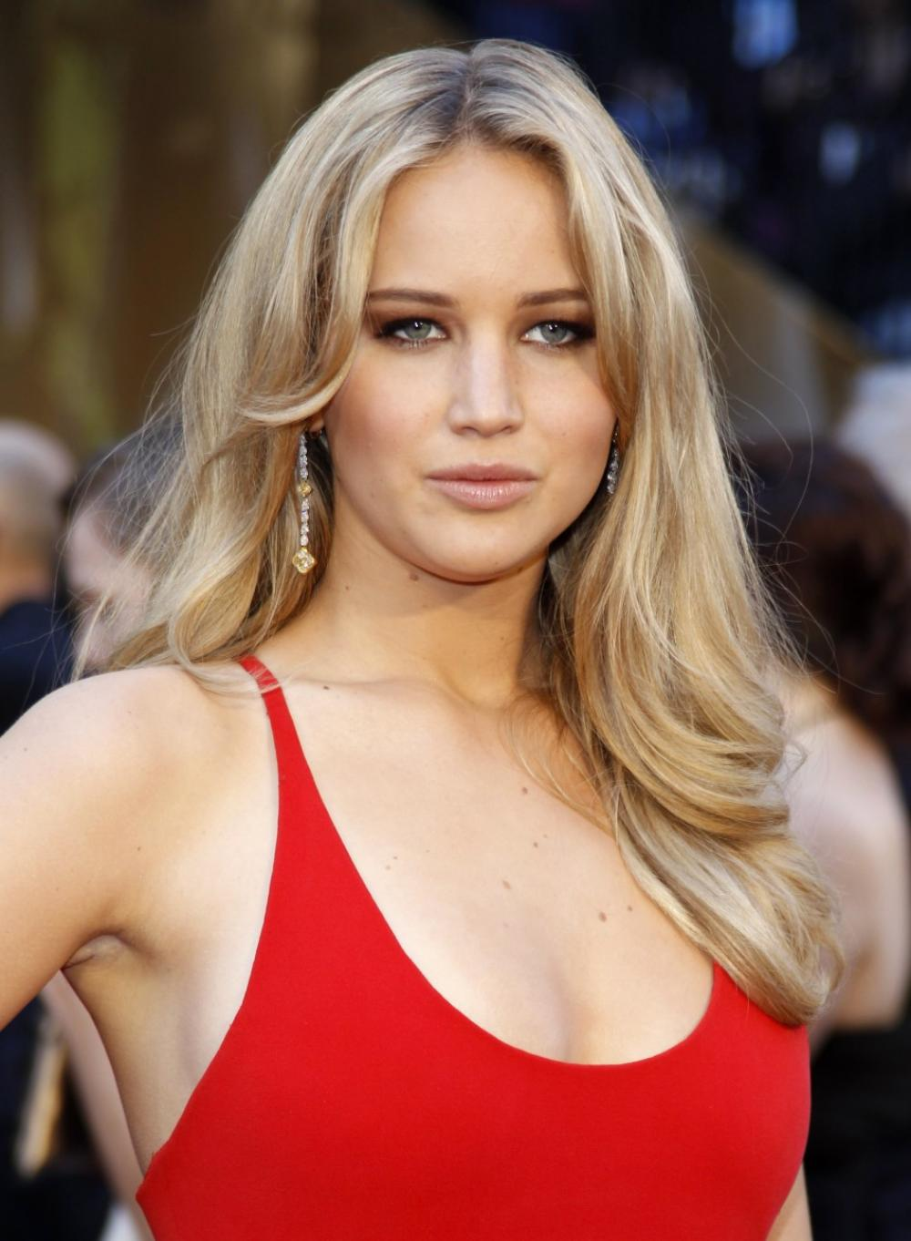 Hot Jennifer Lawrence in Red Dress
