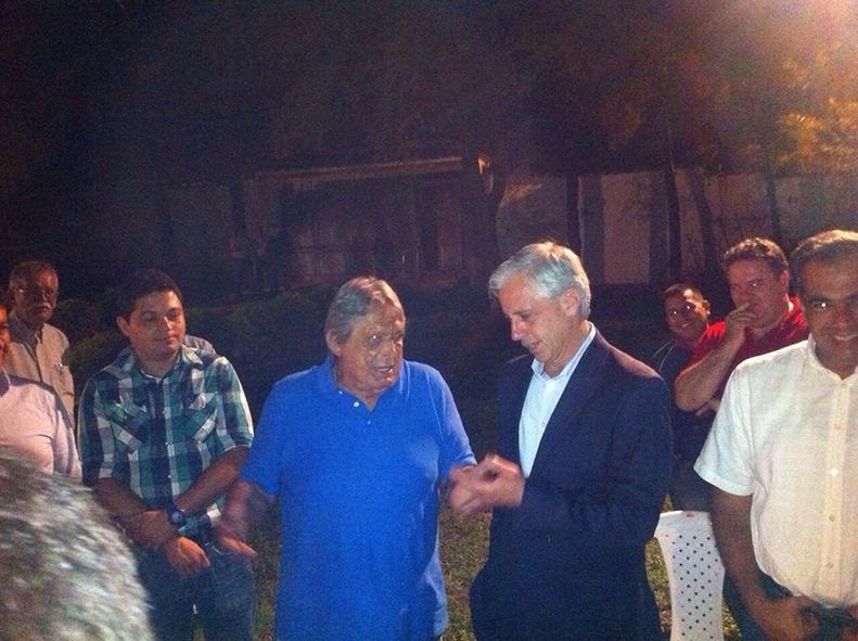Jaime paz zamora le dice al vice que le salv la vida for Foto del ministro del interior