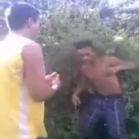 Policiais obrigam assaltantes a baterem na cara um do outro