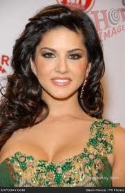 Sunny Leone Hot pictures in Golden Gown