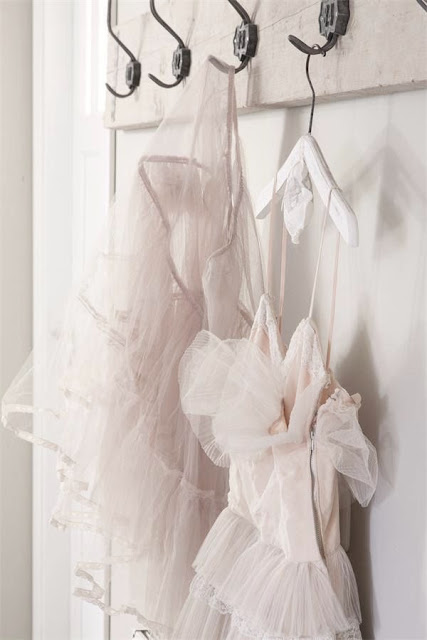 ballet + tulle + pastels