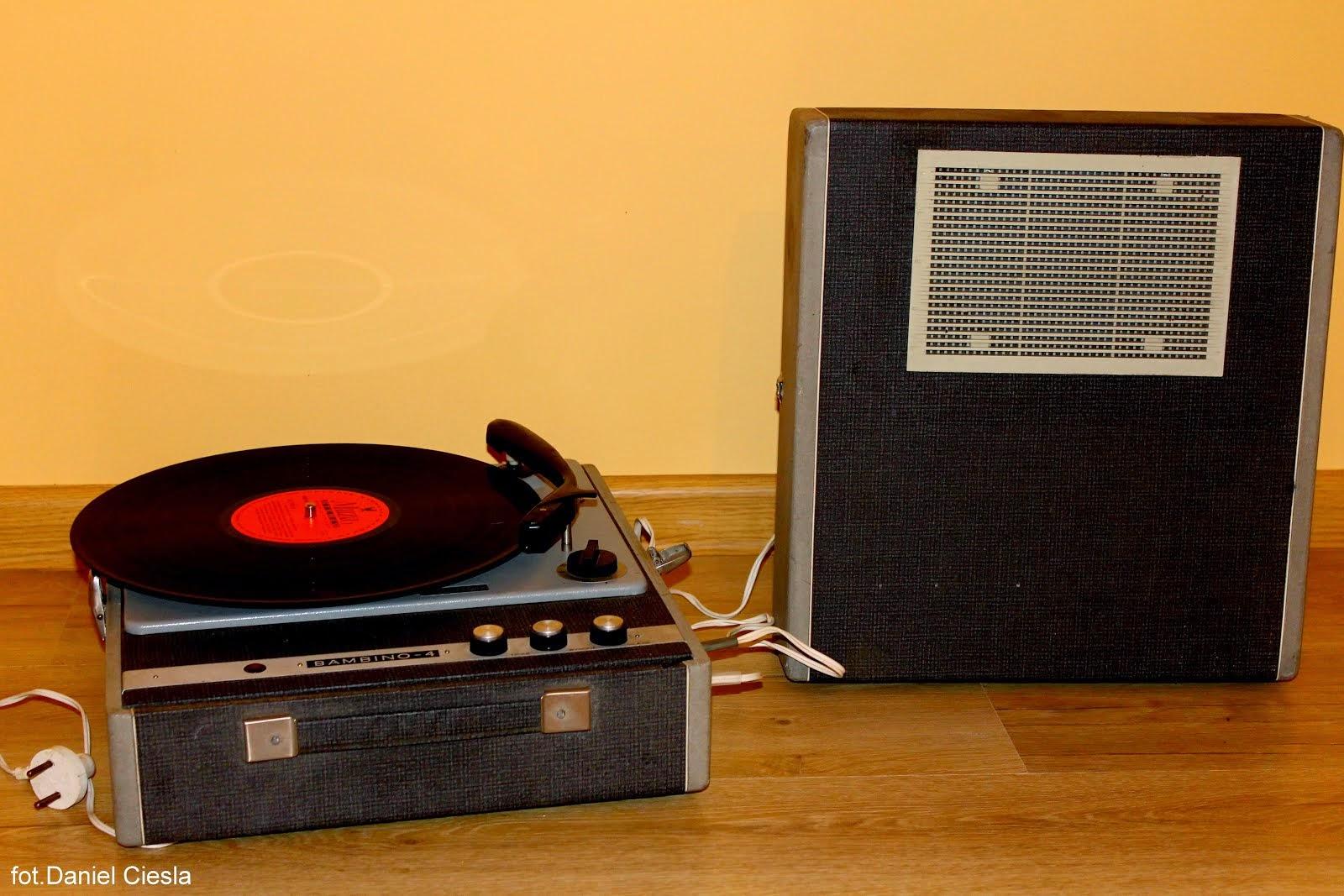 Polski gramofon Bambino 4