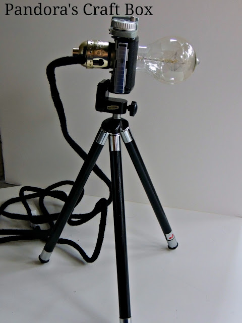 tripod lamp, tripod table lamp, wood tripod, camera lamp, wooden tripod lamp, lamp tripod, vintage camera lamp, DIY, DIY tripod lamp, DIY camera tripod lamp
