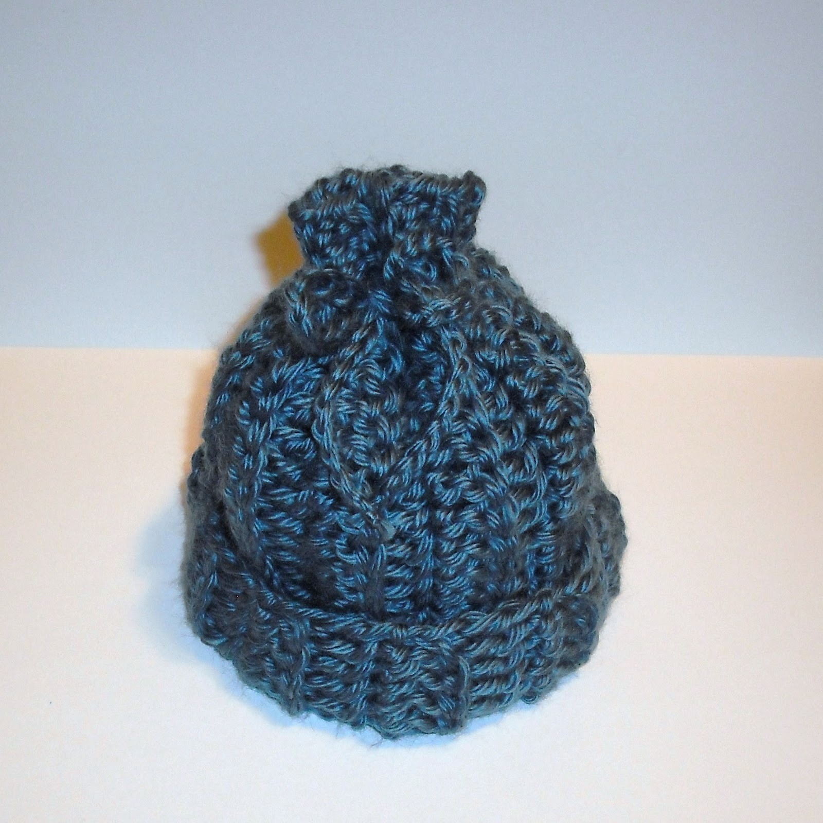 CharacterCrochet: Rib-look newborn baby hat and a FREE PATTERN