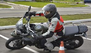 Os limites da moto são muitos. Descubra o de sua moto