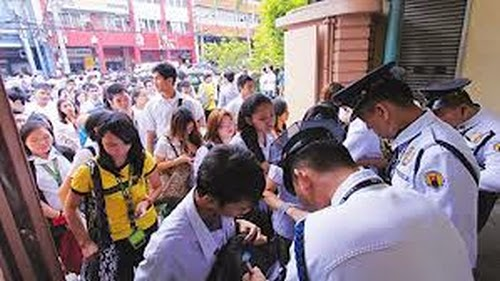 FEU suspends classes due to bomb threat