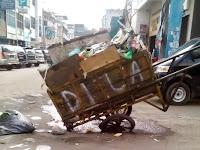 Gerobak Sampah Rusak, Pemko Medan Dinilai Tidak Serius Atasi Sampah