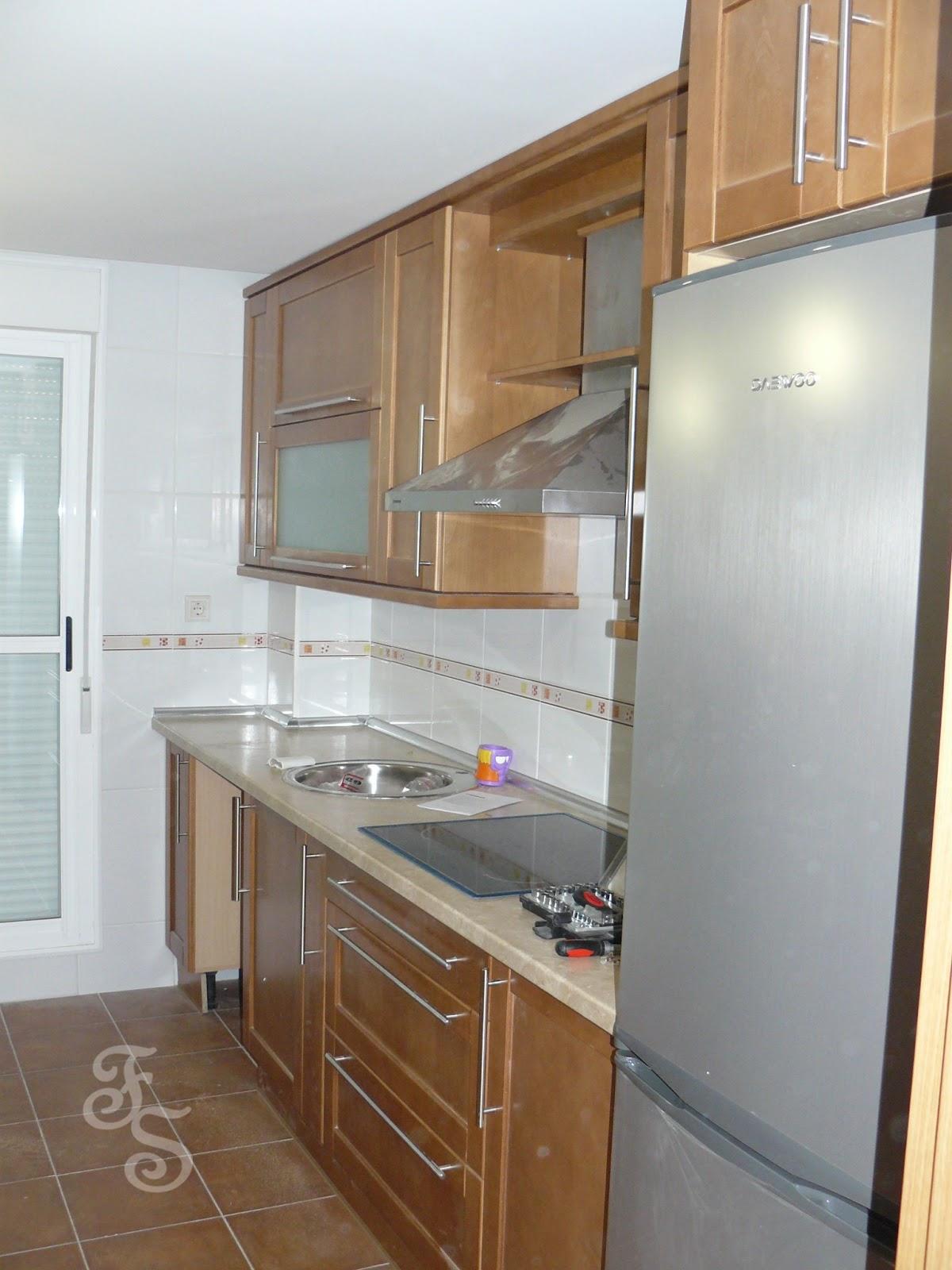 Muebles de cocina con vidrio esmerilado 20170715143126 for Cocinas con muebles