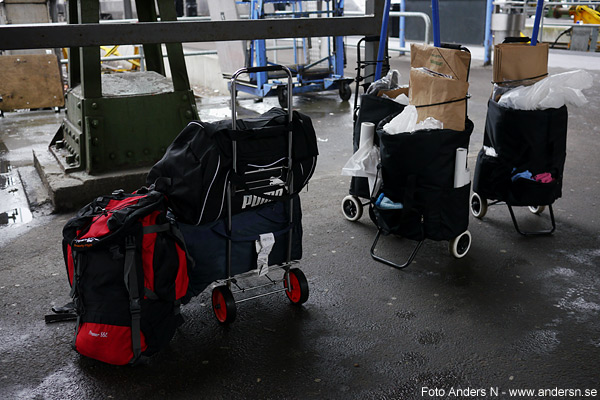 väska, väskor, resväska, resväskor, ryggsäck, städvagn, städvagnar